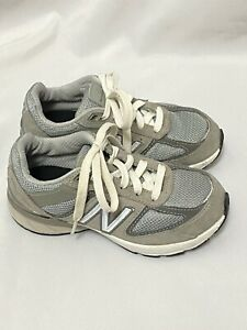 New Balance Boys Children's size 11.5 Wide Gray / White Great condition