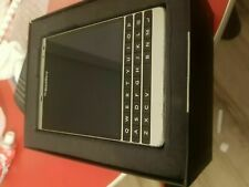 BlackBerry Passport Passport - 32GB - Silver (Unlocked) Smartphone New Condition