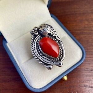 NATIVE AMERICAN STERLING SILVER OLD PAWN LARGE DEEP RED MEDITERRANEAN CORAL RING