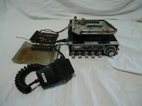 Vintage Midland 13-883B  23 Channel CB Radio w/mic and mobile mount, Untested