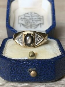 9ct gold star sapphire and diamond ring