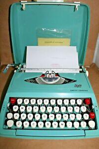 Vintage Smith Corona Cougar Typewriter Turquoise Aqua Teal w/Case & Manual