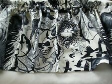 Valance Alexander Henry After dark  skull spider raven cameo lace WHITE
