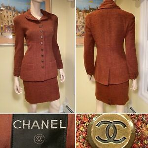 Vintage CHANEL Size 38/Small Rust Red/Brown Wool-Blend Tweed Boucle Skirt Suit
