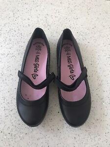 m/&S girls school shoes size uk 1