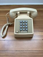 Vintage AT&T Western Electric Touch Tone Desk Phone Z2500MMGT 84195 Made In USA