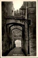 Passau Bayern alte Ansichtskarte 1955 gelaufen Durchblick durch die Höllgasse