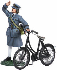 BRITAINS SOLDIERS WW11 RAF WAAF ON  BICYCLE 2 PIECE SET  25018 METAL 1.32 SCALE