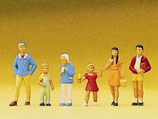 Preiser 10672 Spur H0 Figuren sommerliche Kleidung #NEU in OVP# Passanten