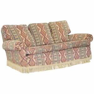 MID CENTURY FULLY SPRUNG ART DECO STYLE KILIM RUG UPHOLSTERED SOFA PART OF SUITE