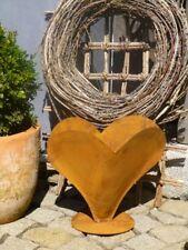 Edelrost Herz zum bepflanzen auf Platte Dekoration Metall Garten Terrasse Tisch