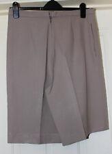 Pantalones cortos de color beige hecho a mano Talla 14