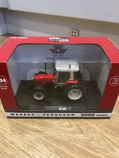 6236 Universal Hobbies Massey Ferguson 3095 tractor 1:32 Scale Limited edition