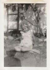 FOUND PHOTO Original B and W Snapshot PHOTOGRAPHY Free Shipping DD 810 23 W