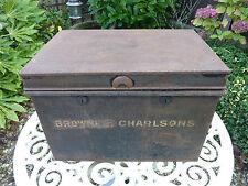 VINTAGE VECCHIO ANTICO grande atto di cassa in metallo tin box milners Shabby Chic Storage
