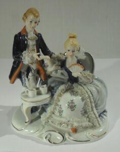 edle PORZELLAN SKULPTUR - Barockes Paar beim Kaffeekränzchen - Figur Rokoko
