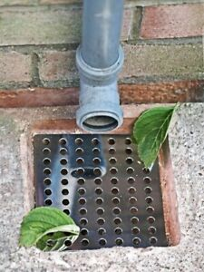 2x Durable Metal Drain Covers Outdoor Leaf Gutter Tidy Protector Guard