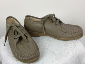 Softspots Women's Gray Leather Comfort Lace Up Shoes Size 7.5 Medium