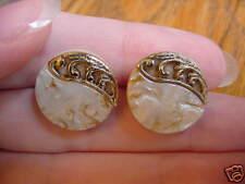 "(EE-15) 5/8"" Cream taupe flower circle gold filigree leaf earrings post pierced"