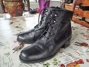 LOTUS, LADIES LOVELY SOFT BLACK LEATHER, LACE UP VINTAGE STYLE BOOTS - UK SIZE 8