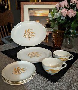 Golden Wheat Pattern, 22K Gold rimmed, Vintage Homer Laughlin Dishes.