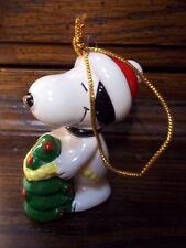 Vintage Snoopy & Christmas Tree Green Paper Bottom