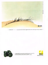 PUBLICITE ADVERTISING  2004   NIKON  appareil photo COOLPIX  8700