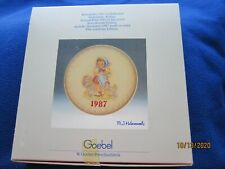 M. I. Hummel Collector Annual Plate in bas relief Goebel 1987 in Original Box