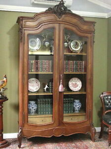 ANTIQUE FRENCH CARVED WALNUT 2 DOOR BOOKCASE ARMOIRE DISPLAY CABINET   c1930s