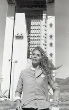 LINDSAY WAGNER OUTDOORS THE BIONIC WOMAN ORIGINAL 1977 NBC TV PHOTO NEGATIVE