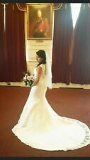 Beautiful Lace Wedding Dress In White Size 8 with diamonte and pearl belt & veil