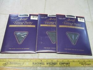 VTG NOS Hanes Fitting Pretty Queen Size Pantyhose Light Support 744 Black 2XL 2Q
