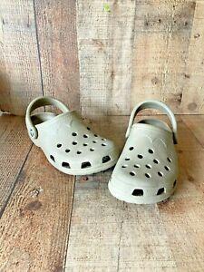 Unisex Light Brown Crocs Sandals Shoes Women Size 6-7 Men 4-5