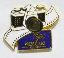 PINS PHOTOGRAPHIE APPAREIL PHOTO LABO PRESS LABO SERVICE 1980