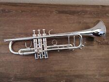 Trompete gebaut wie die Bach LT180S-43