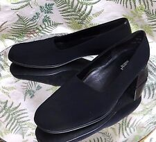 MUNRO BLACK FABRIC LOAFERS SLIP ONS BUSINESS DRESS HEELS SHOES WOMENS SZ 7.5 M