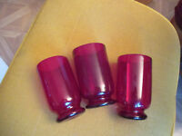"""Vintage Set of 3 Hand blown Red Art Glass Drinking Glasses 5"""" t x 2 7/8"""" w rim"""