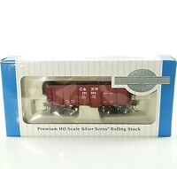 Bachmann HO Scale Ore Car Chicago and Northwestern RTR Boxcar Red