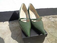 True vintage Laura Ashley size UK 7 olive genuine leather shoes