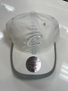 NBA official Licensed Mitchell & Ness Cavaliers Hat White Adjustable Fit