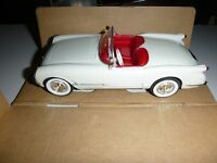 AMT 8732 1953 CORVETTE CONVERTIBLE PROMO 1/25 MODEL CAR MOUNTAIN POLO WHITE