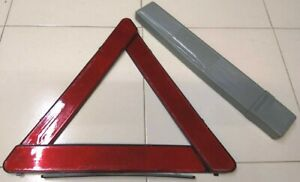 Triangolo d' emergenza auto d'epoca vintage