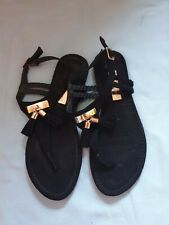 BNWOT Ladies Sandals Size 4