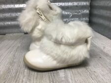 OshKosh B'Gosh White Boot Bow Faux Fur Zipper Round Toe Size 4 C