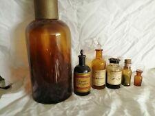 Pharmacie lot de 6 anciens flacons ou boucaux en verre brun avec différents bouc