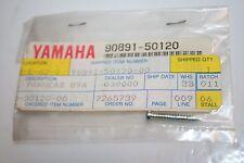 1 nos Yamaha snowmobile tapping screw 90891-50120 vmax-4 89a- shroud