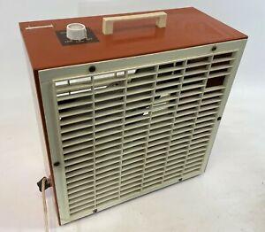 "Vintage LAKEWOOD Retro Powerful Steel Metal Plastic 14"" Medium 2 Speed Box Fan"