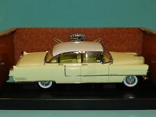 Greenlight Coll 1/18 1955 Cadillac Fleetwood Series 60 Special Yellow/White MiB