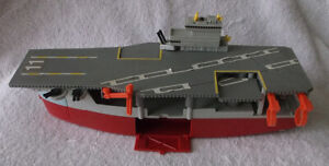 1988 Louis Galoob Micro Machines Aircraft Carrier