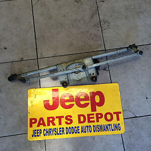 1999-2004 JEEP GRAND CHEROKEE Windshield Wiper Transmission with Front Motor WJ